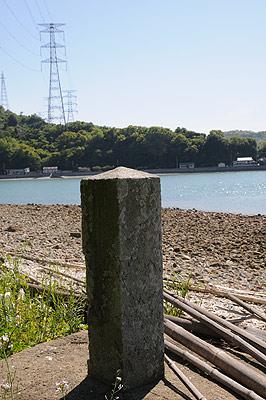戸馳島灯台への道03
