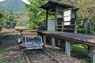 天岩戸駅のスーパーカート