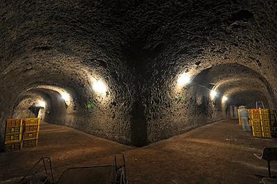 三菱重工 地下工場 | 九州ヘリテ...