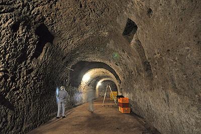 三菱地下工場