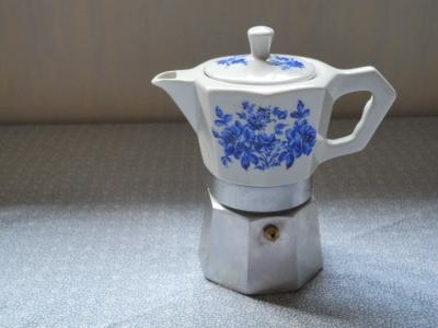 陶器のエスプレッソメーカー