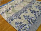 フォークロア刺繍のエプロン(青)