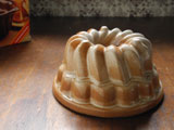 ドイツ製 陶器のクグロフ型
