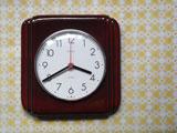 KIENZLE チョコ色陶器のシンプル時計