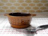 ドイツ キャラメル色陶器の耳付きボウル