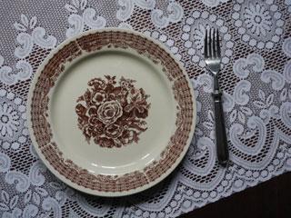 CP COLDITZ ブラウンの花と飾り模様のお皿
