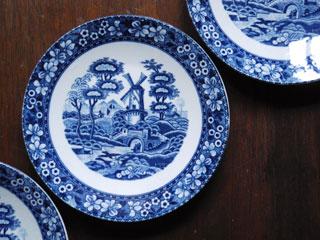 シノワズリな風景画のレトロ小皿 φ15.2cm