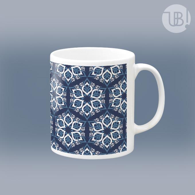 ちょっとハデな六角パターンのマグカップ