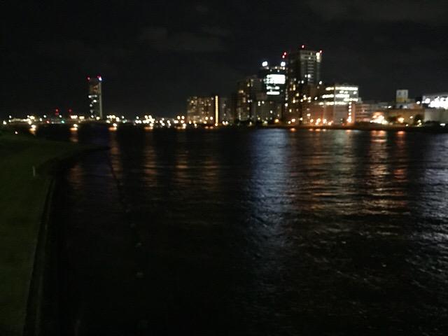 新潟市内信濃川夜景