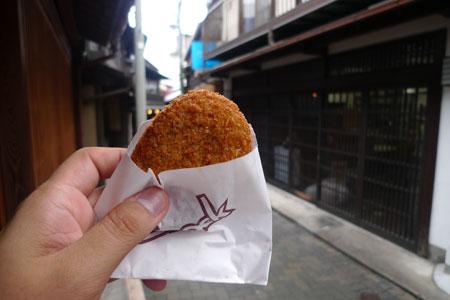 竹中肉店のコロッケ