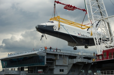Space_Shuttle_Enterprise_delivered_to_the_Intrepid_Museum.jpg