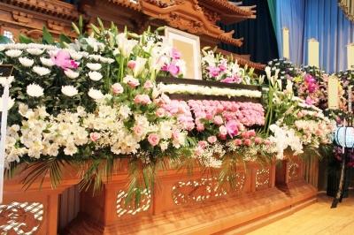 お供え ご葬儀 家族葬 生花祭壇 いわき市 小名浜の花屋 花国湘南台店