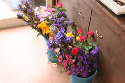 激安  フラワー祭壇 お供えのお花 ご葬儀 家族葬 生花祭壇 いわき市 小名浜の花屋 花国湘南台店