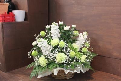 お供え お花 ご葬儀 家族葬 生花祭壇 いわき市 小名浜の花屋 花国湘南台店