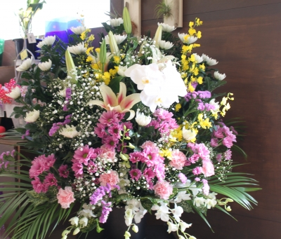 枕花 お供え フラワー祭壇 生花祭壇 いわき市 お花の花屋 花国湘南台店