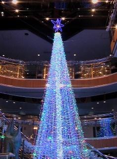 5階フロント前のクリスマスツリー