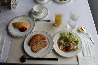 クルーズ3日目、朝食。