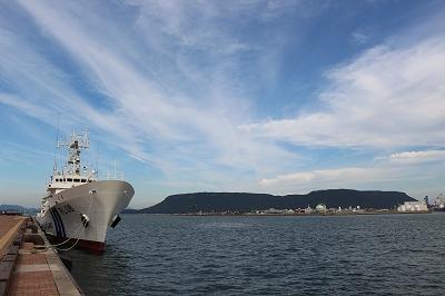 「巡視船とさ」と屋島付近。