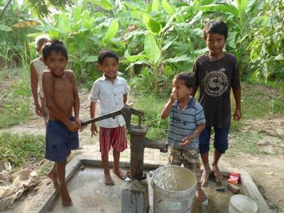 カンボジア井戸