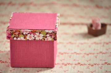 ピンク小箱
