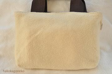 羊毛フェルト刺繍 猫シルエット1