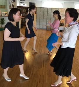 初めてのダンス
