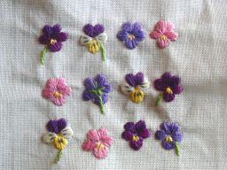 ビオラの刺繍