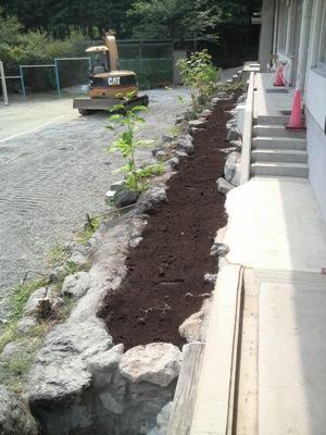 芦川小学校花壇