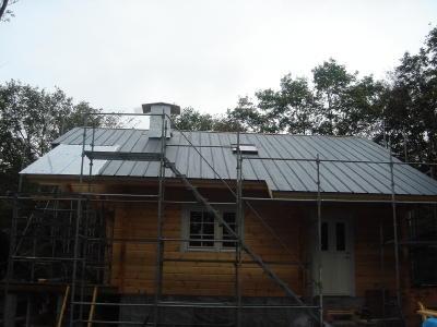 平葺き屋根が、随分と進みました。