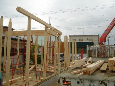 柱が建ちます。
