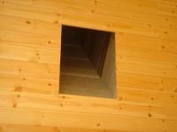 天井の 煙突用穴