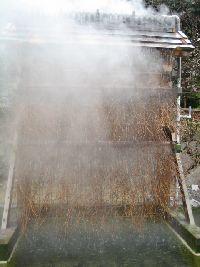 ひょうたん温泉 竹製温泉冷却装置