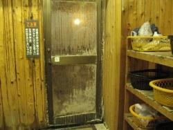 男性脱衣所のドア