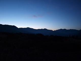 夜明けの水晶岳、鷲羽岳