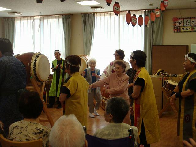 8月8日に行なわれた盆踊りの一幕です。