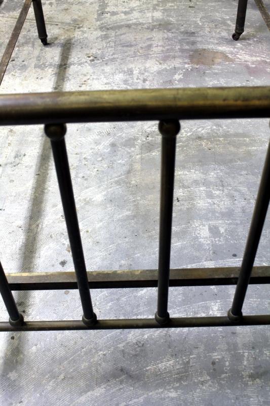 アンティークの真鍮フレームベッドシングルb