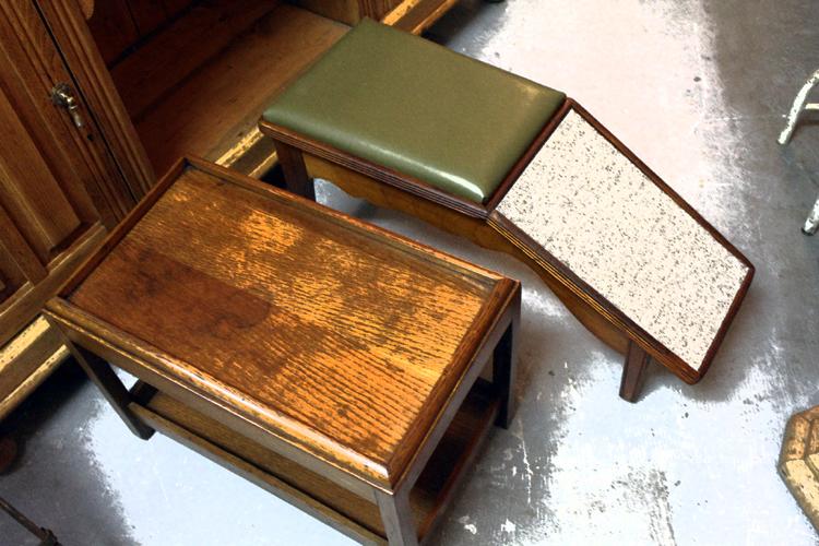 靴磨き用スツールとテーブル Mate.Antique&Intiriors