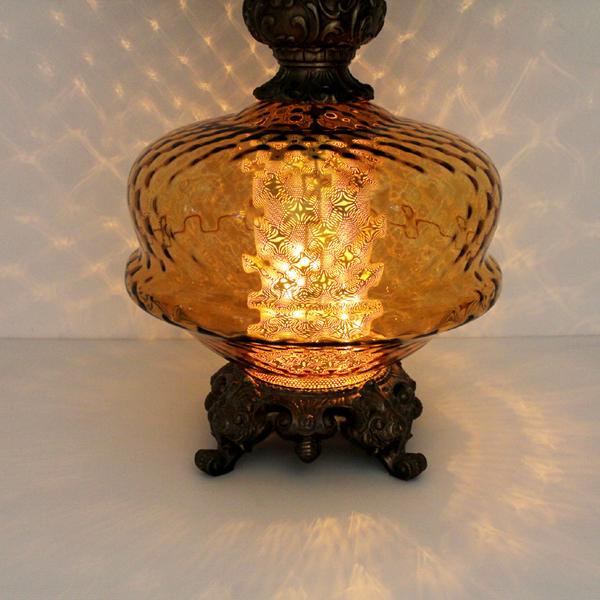 ヴィンテージのガラスのテーブルランプ