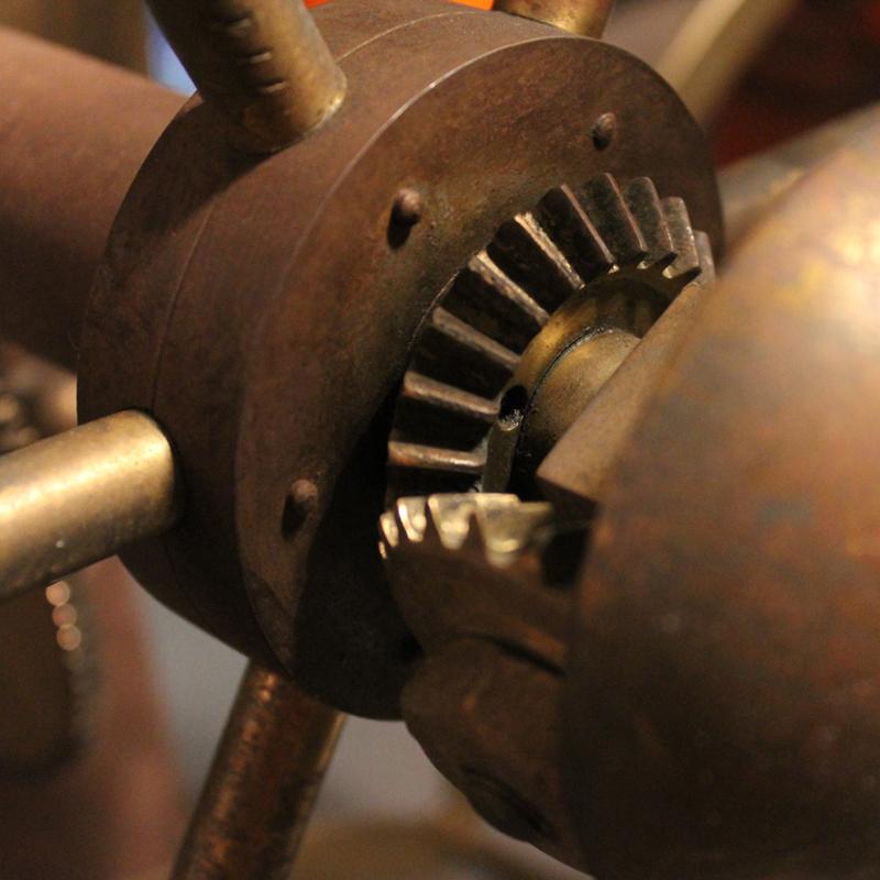 アンティークの真鍮製糸巻きmade in ENGLAND