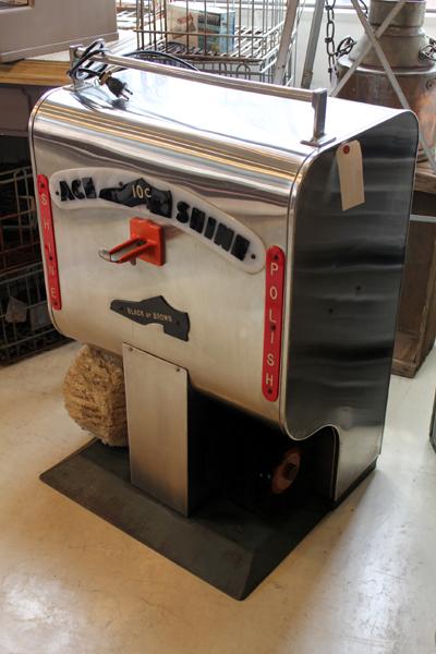 ヴィンテージの靴磨き機