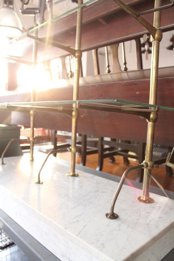 ガラスの棚板オープンシェルフ
