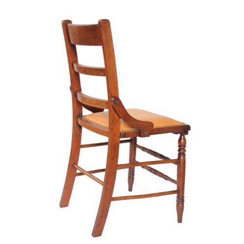 アンティークの椅子 背面のショット