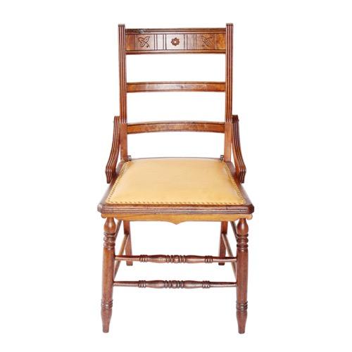アンティークの椅子 正面のショット