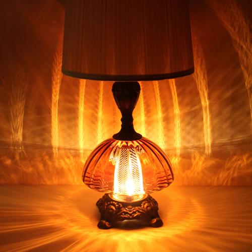 ヴィンテージガラスのランプ