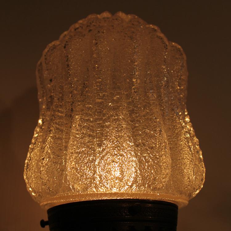 ウォールランプ ガラスシェード点灯時