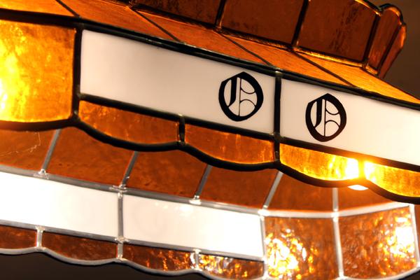 ヴィンテージのステンドグラス照明 オレンジとミルクガラス
