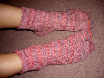 geisya socks wearing