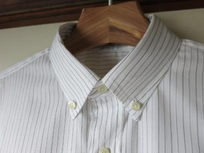 『カジュアルからドレスアップまでのメンズシャツ』 ボタンダウン 衿