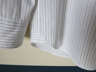 『カジュアルからドレスアップまでのメンズシャツ』 ボタンダウン ガセット