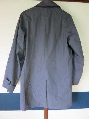 「男のコートの本」ステンカラーコート 後ろ